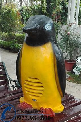 Loa sân vườn OBT 1804C loa hình chú chim cánh cụt cực dễ thương