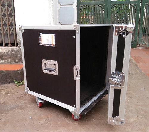 Tủ gỗ đựng thiết bị âm thanh chuyên nghiệp